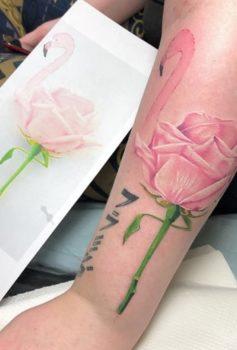 リアリスティック フラミンゴ 薔薇