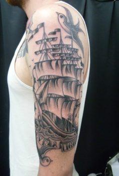 ブラック&グレー 船・ツバメ・オールドスクール
