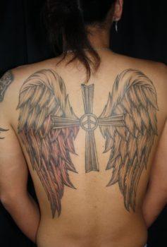 ブラック&グレー 大きな羽・クロス