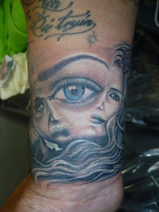 ブラック&グレー 3 eyes