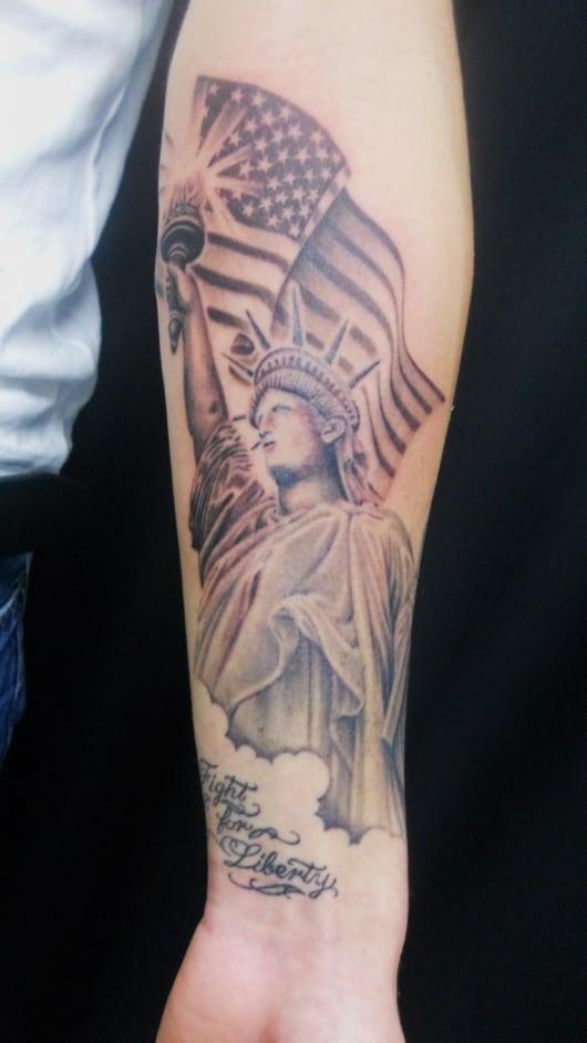 ブラック&グレー 自由の女神