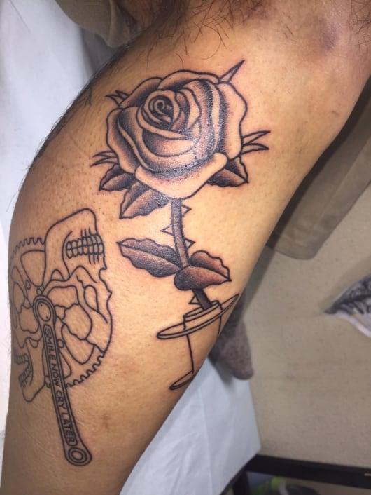 ブラック&グレー バラ rose
