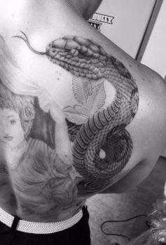 ブラック&グレー ヘビ・蛇