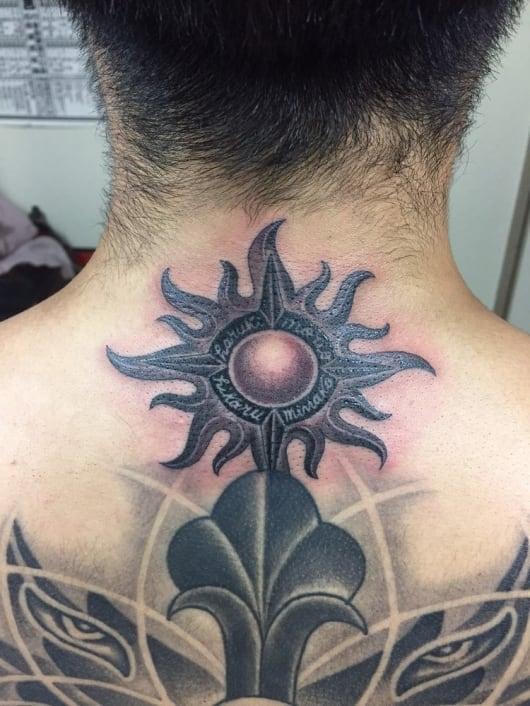 ブラック&グレー 太陽 sun tattoo