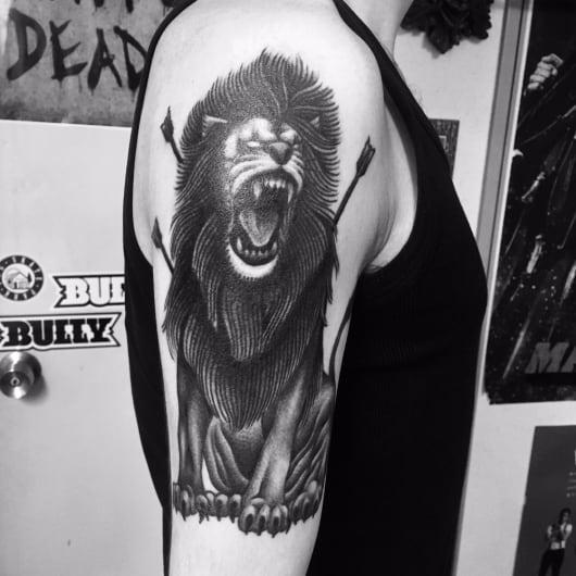 ブラック&グレー ライオン lion