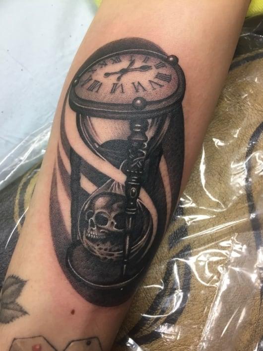 ブラック&グレー 砂時計