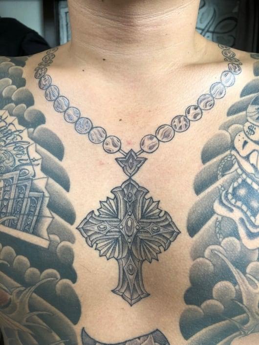 ブラック&グレー cross tattoo