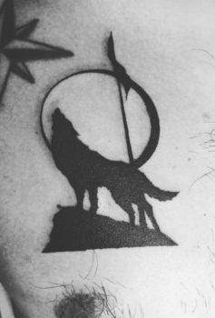 トライバル 狼 オオカミ