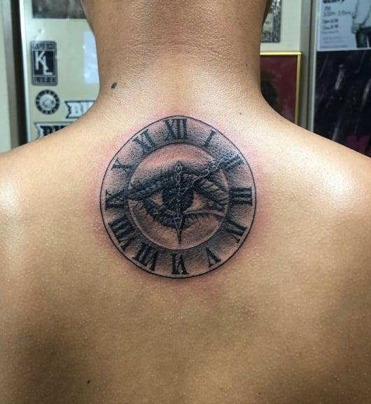 ブラック&グレー 時計 目