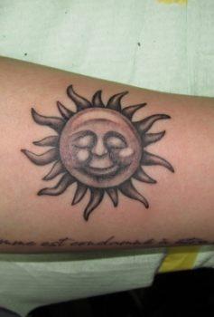 ブラック&グレー 太陽